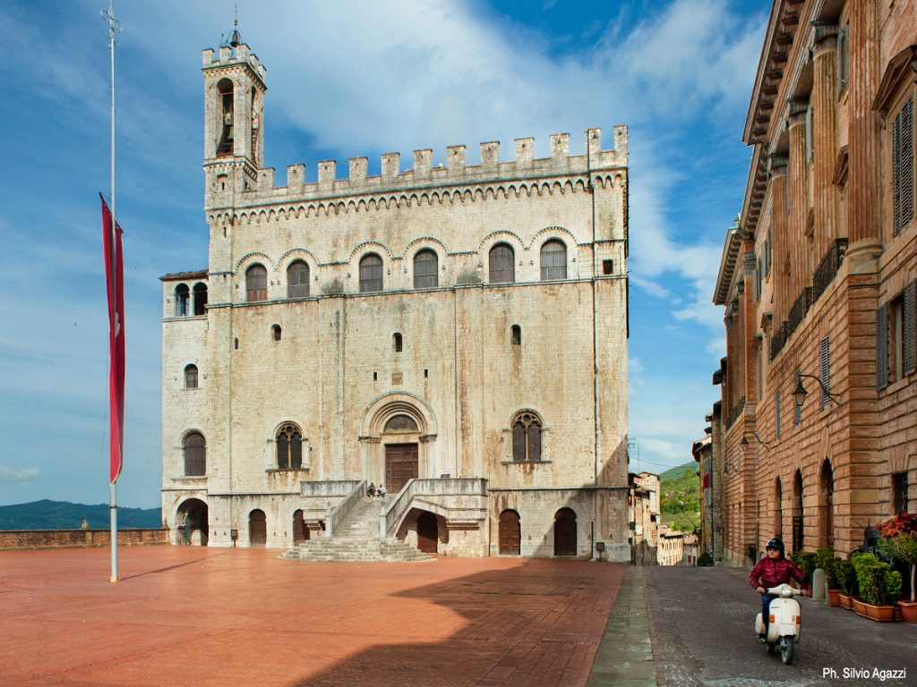Vista frontale Palazzo dei consoli - Gubbio